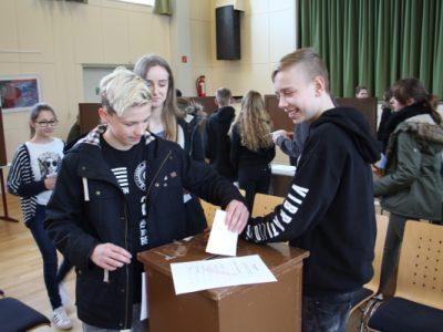 Schüler wählen Jugendparlament