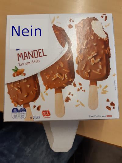 """Raupys und Elias heutiges Menü: """"Eis am Stiel"""""""